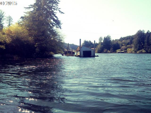 2564 S Ten Mile Lake Lakeside Oregon